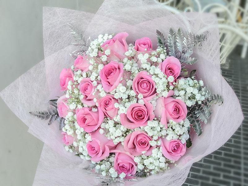 pink-roses-baby-breath-bali