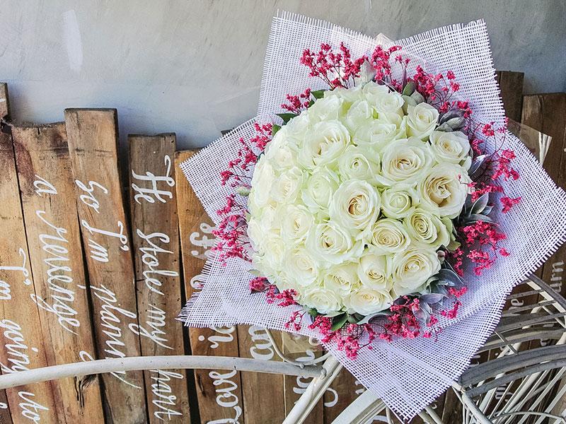 white-holland-roses-bali