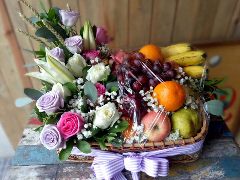 fruit-basket-with-flowers-bali-florist